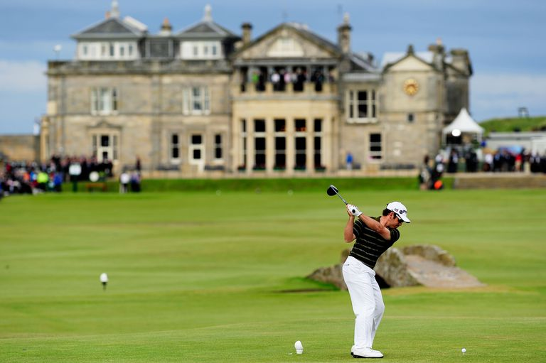 Louis Oosthuizen of South Africa tees off on the 18th hole during the final round of the 2010 Open Championship on the Old Course, St Andrews on July 18, 2010