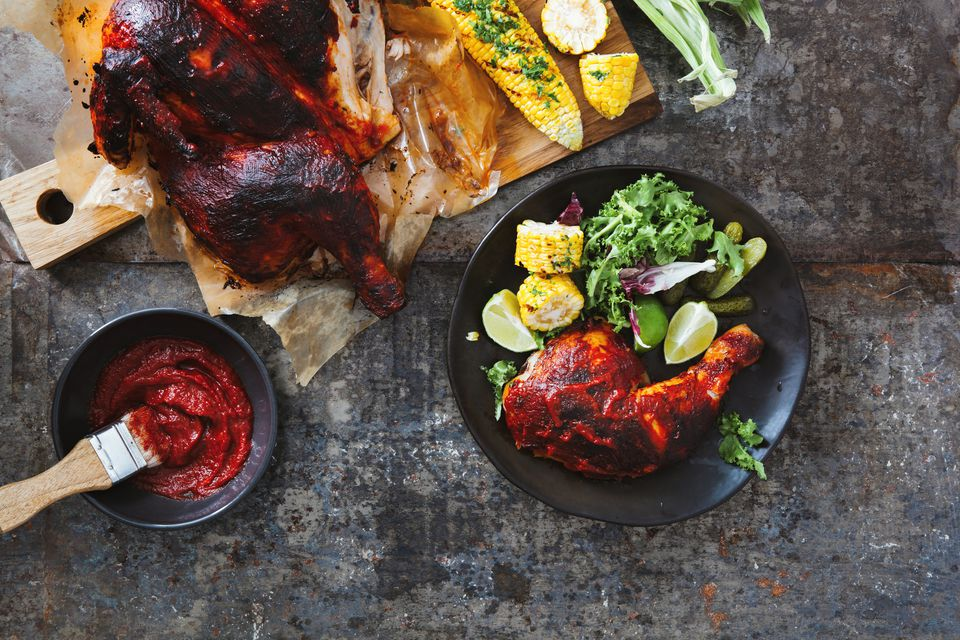 Smoky barbecued chicken with vegetables