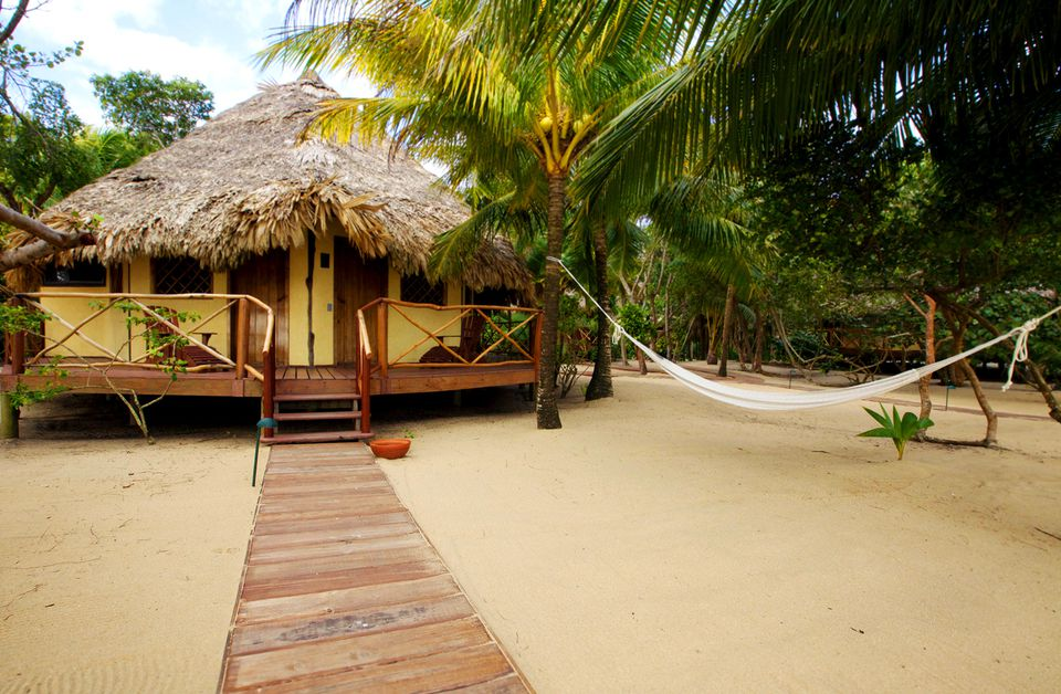 Top 12 romantic hotels and resorts in belize for Top 5 resorts in the world