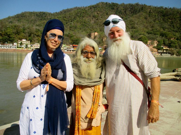 sikhism and hinduism comparison It can also be seen that men who practice sikhism do not circumcise as like the men who practice islam another difference that can be seen between islam and.