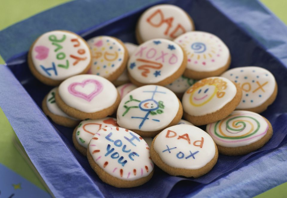 Tin of Father's Day cookies