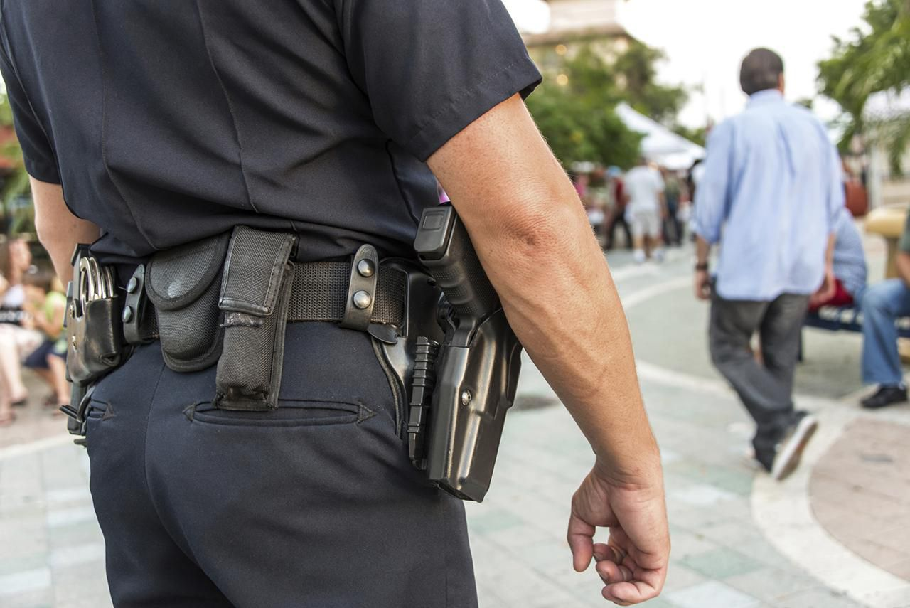 learn what police officers carry on their duty belts