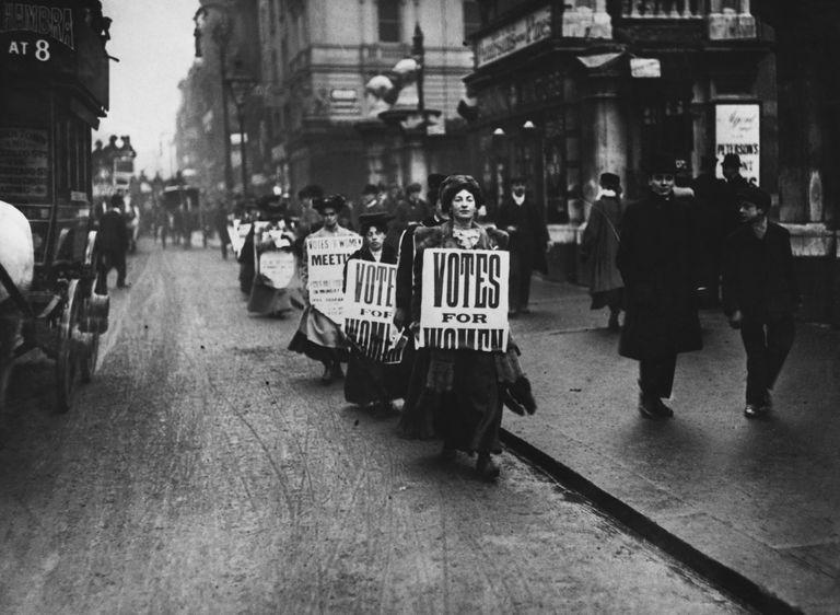 Suffragettes Demonstrate in London Street, 1912