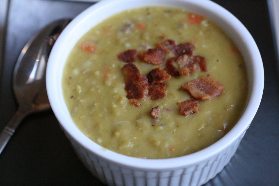 Erbsensuppe- German pea soup