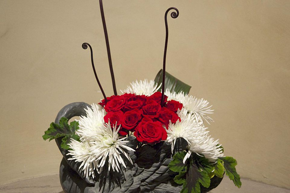 Japanese ikebana arrangements for christmas
