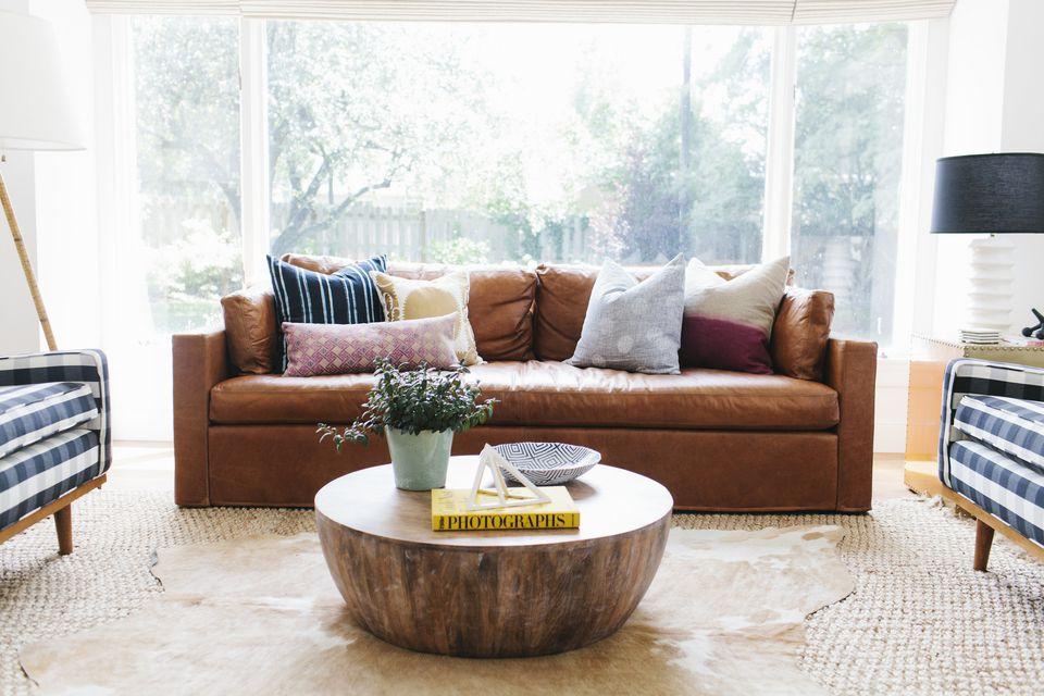 Living Rooms: Trends vs Classics