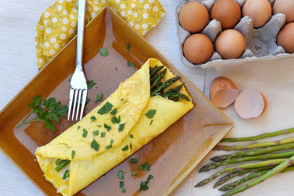 asparagus gruyere omelet