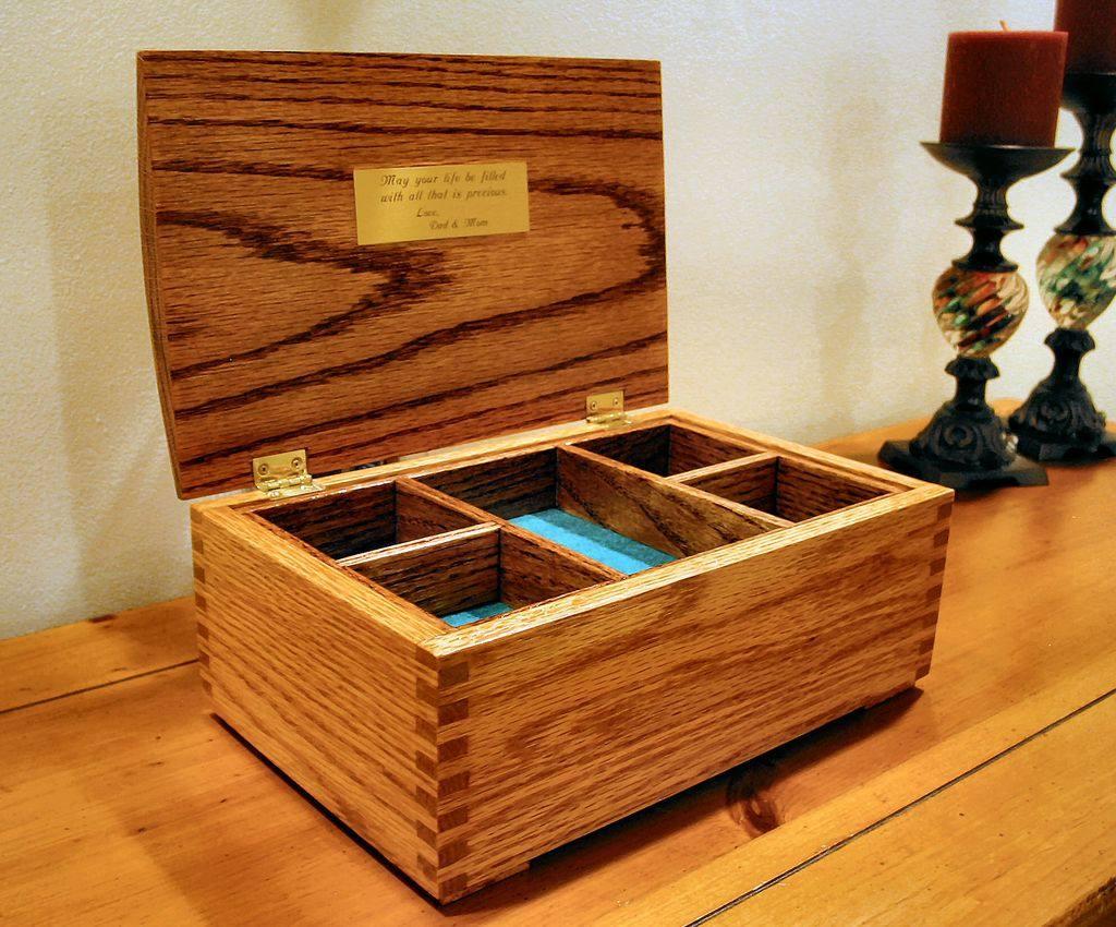 9 Free DIY Jewelry Box Plans