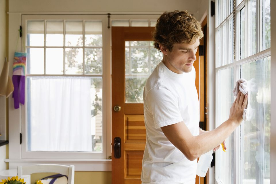the right way to clean glass windows
