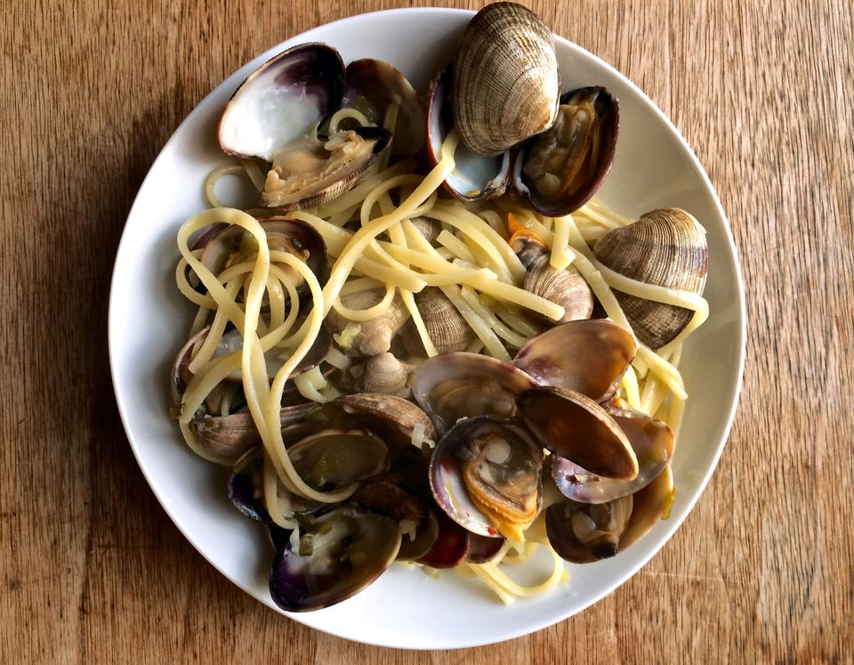 clams on linguine