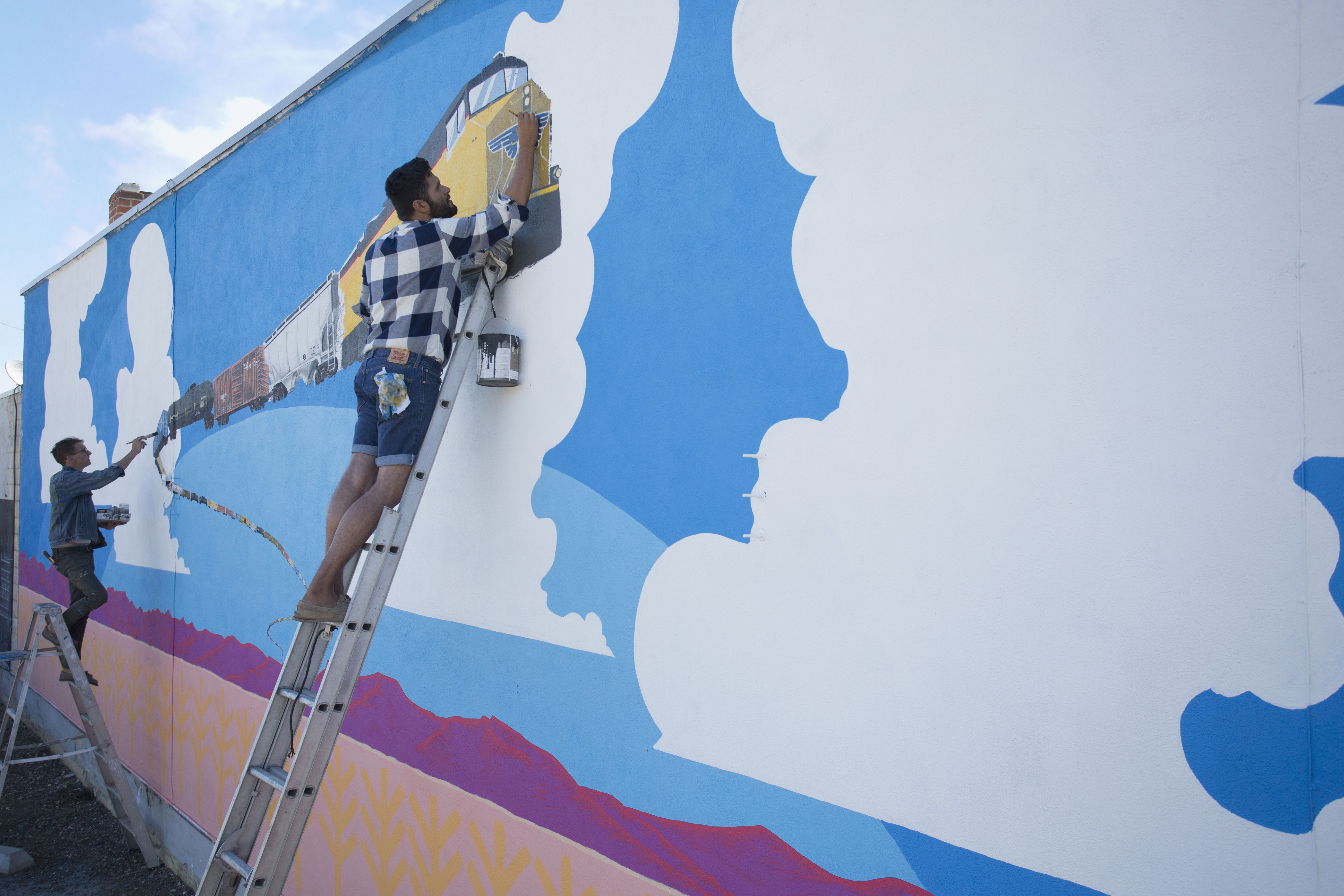quick tips on how to paint a wall mural