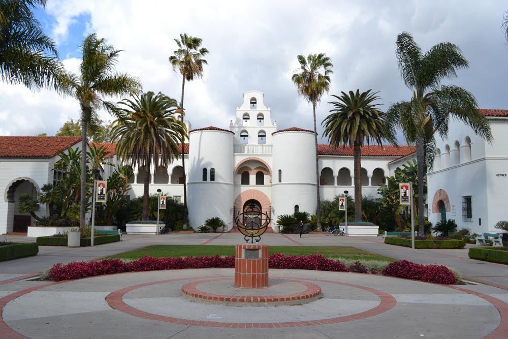 https://fthmb.tqn.com/p9fTdNKv1aisxBznewNskbnSh1g=/1000x667/filters:fill(auto,1)/Hepner-Hall-San-Diego-State-University-56a187755f9b58b7d0c06a51.jpg
