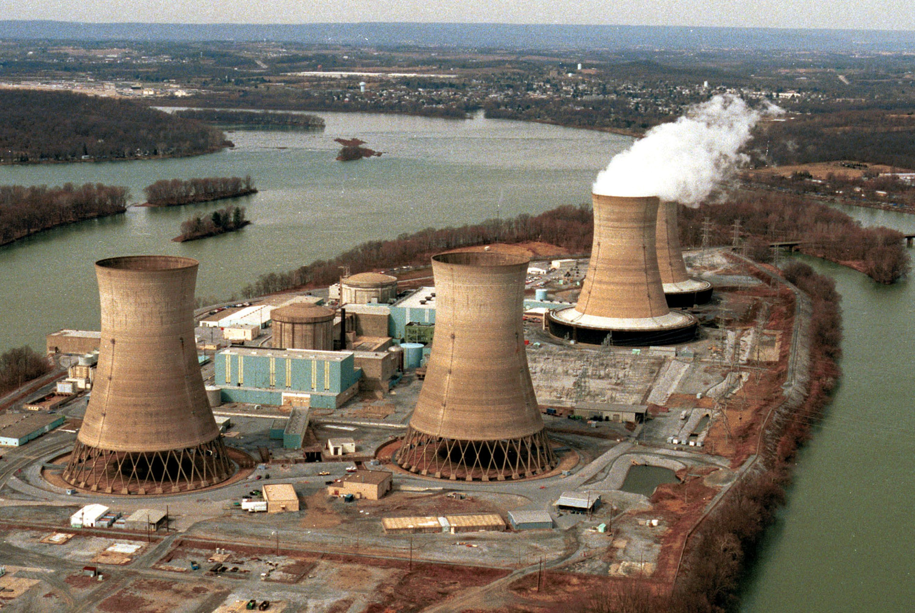 thesis bataan nuclear power plant In 1979 at three mile island nuclear power plant in usa a cooling malfunction caused part of the core to melt in the #2 reactor the tmi-2 reactor was destroyed some radioactive gas was released a couple of days after the accident, but not enough to cause any dose above background levels to local.