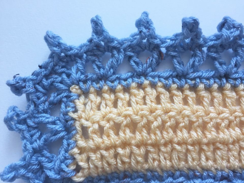 V-stitch and picots edging free crochet pattern
