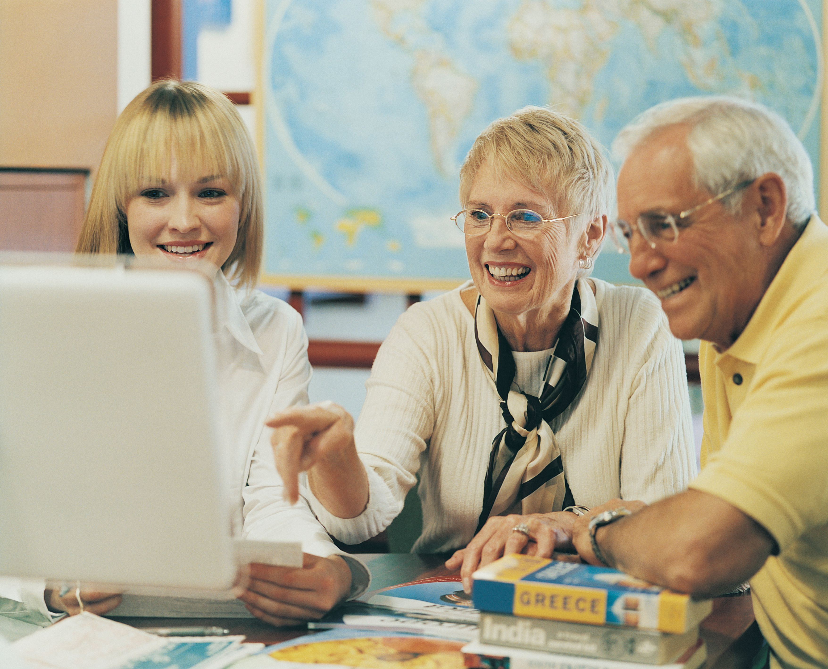 How to Find a Senior-Friendly Travel Agent