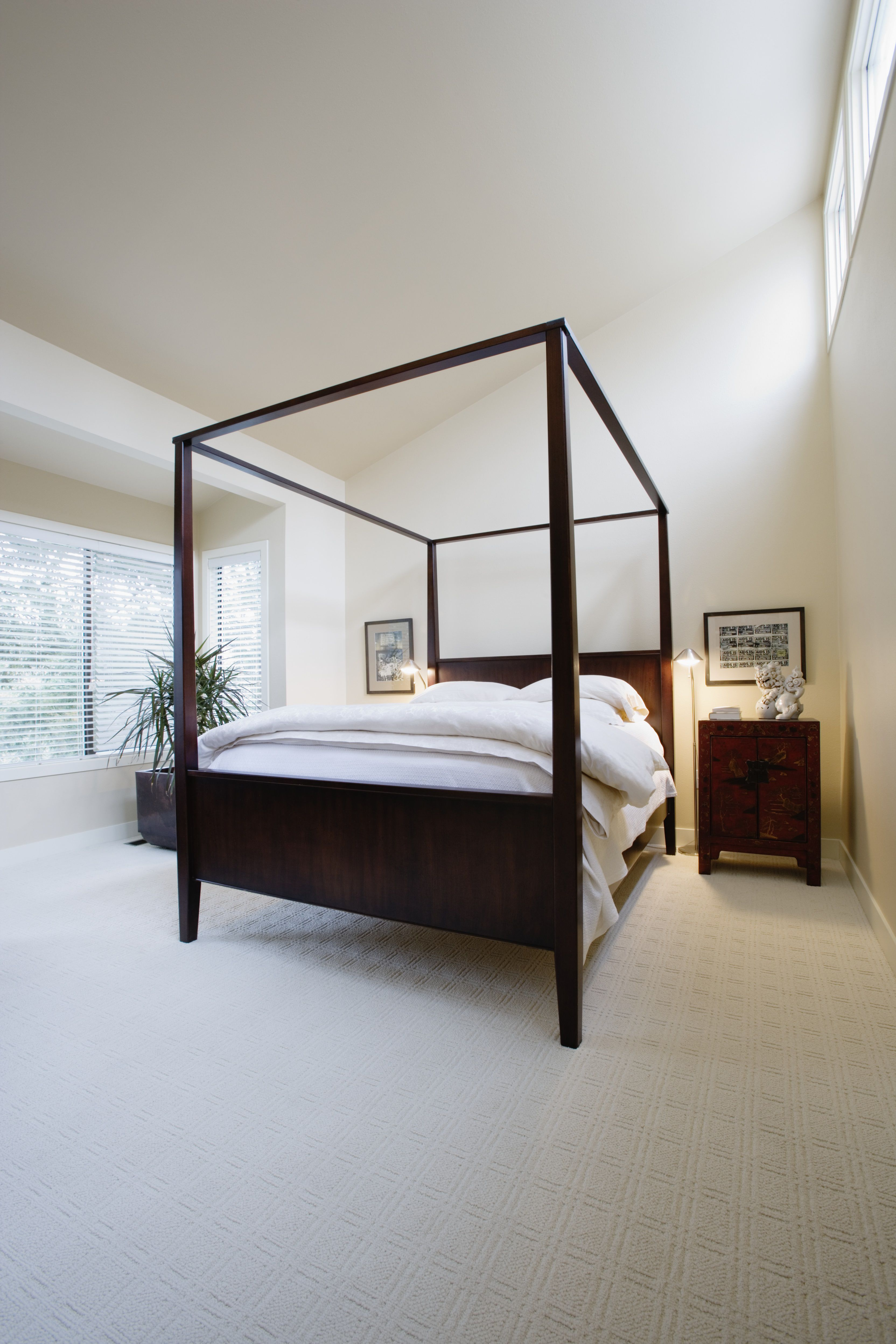 Contemporary Canopy Beds 8 hot bedroom decorating trends