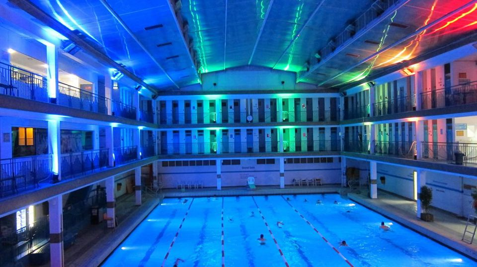 Top 10 things to do at night in paris for Club piscine granby 960 rue principale
