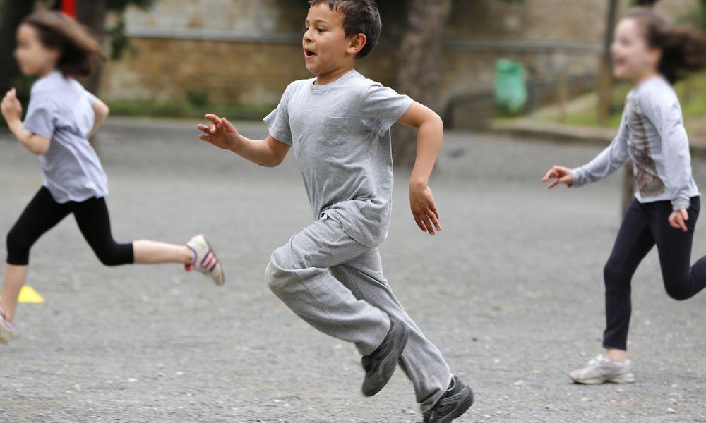 Kids running club - boy and girls running