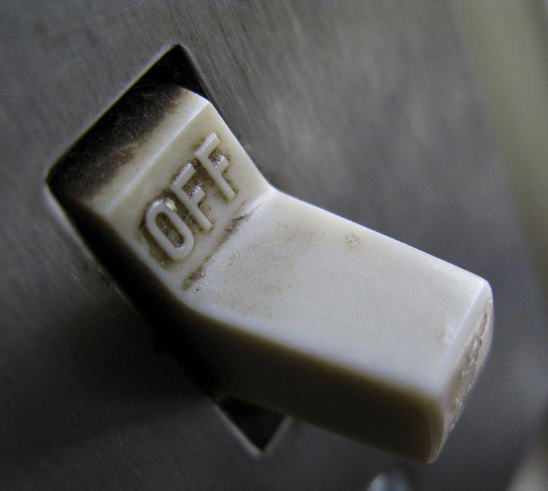 2462980011_e3cd998ea0_o--Kyle-Slattery,-Off-Switch.jpg