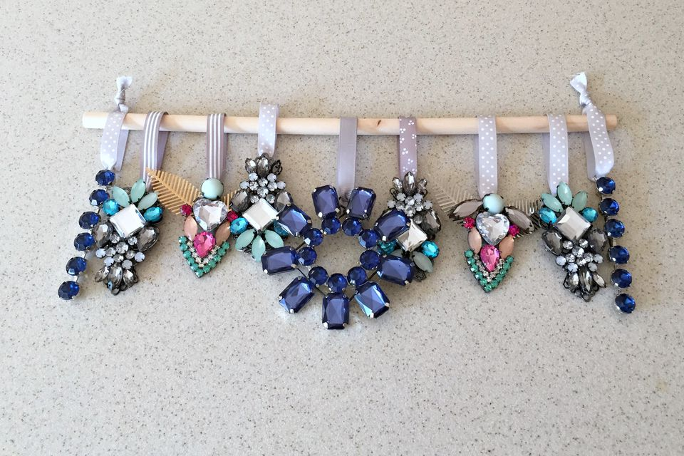 DIY christmas ornaments made from broken jewelry