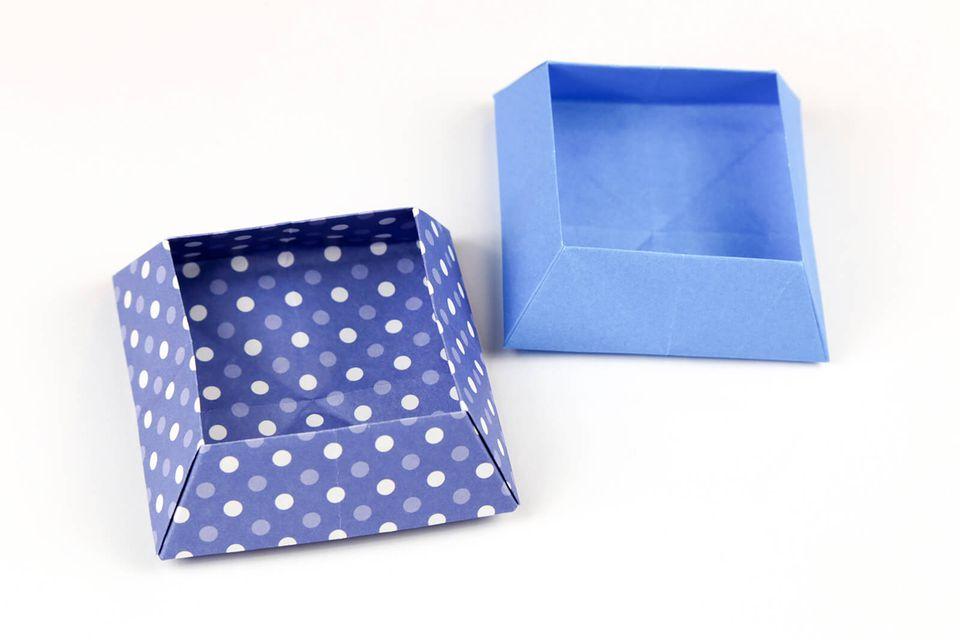 origami square snack box tutorial 1