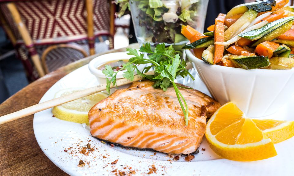 Grilled Salmon And Lemon Slice And Salad