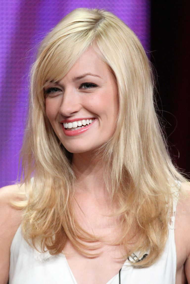 20 photos of hairstyles with gorgeous side swept bangs bangs paired with long blonde hair urmus Images