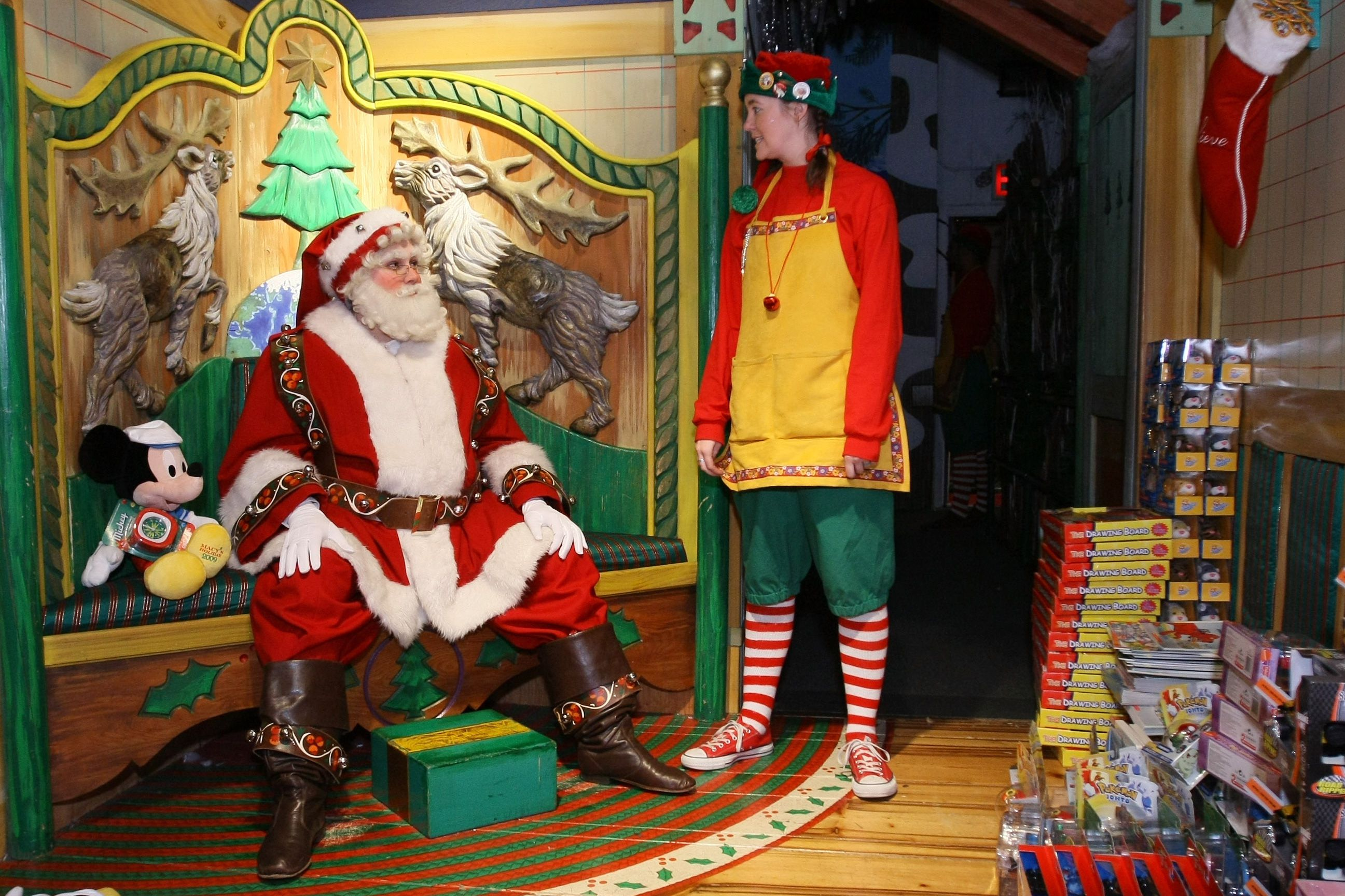 tips for seeing santa at macy s in new york city