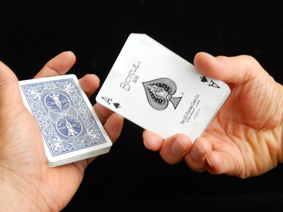 easy magic trick the color changing card