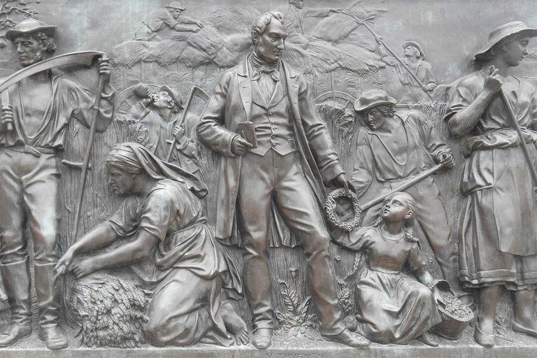 Von Thunen statue