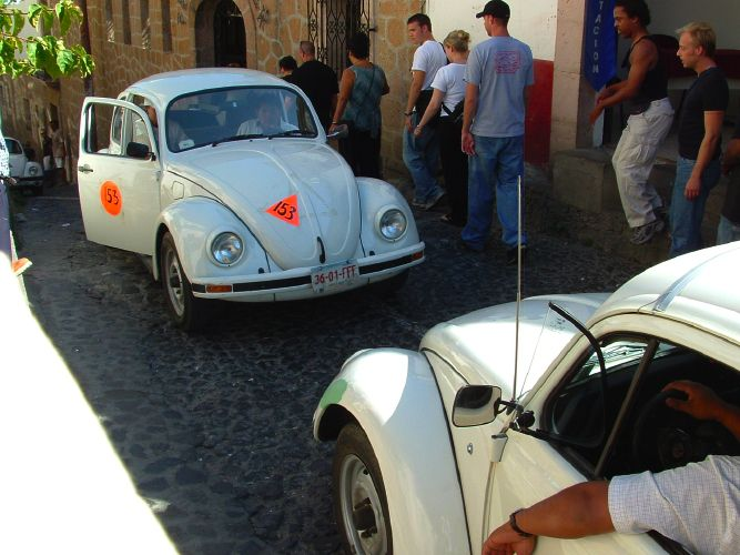 VW Bug Mexico Taxis Photo - VW Bug Mexico Taxis Face Off Picture