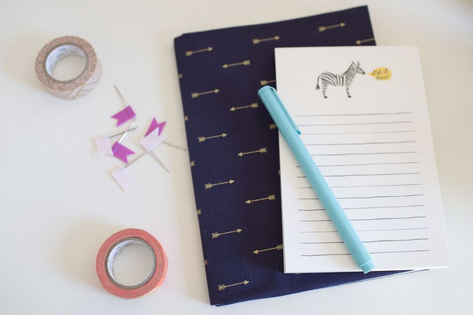 a decorate paper crepe decor kidscraftsactivitiesblog to or notebooks crafts yarn with notebook how kids
