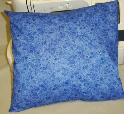 Basic pillow cover without protruding corners