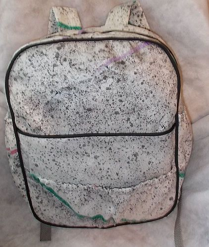 Free pattern and directions for this full sized back pack with pockets galore and padded straps