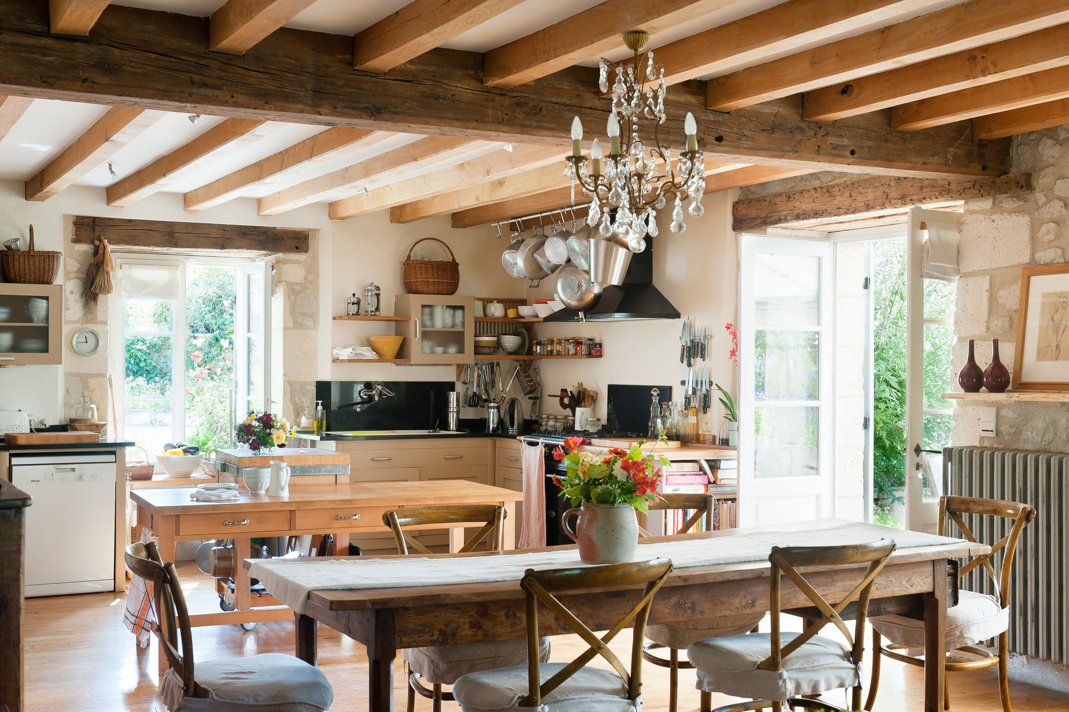 Style your home with french country decor for Country kitchen home plans