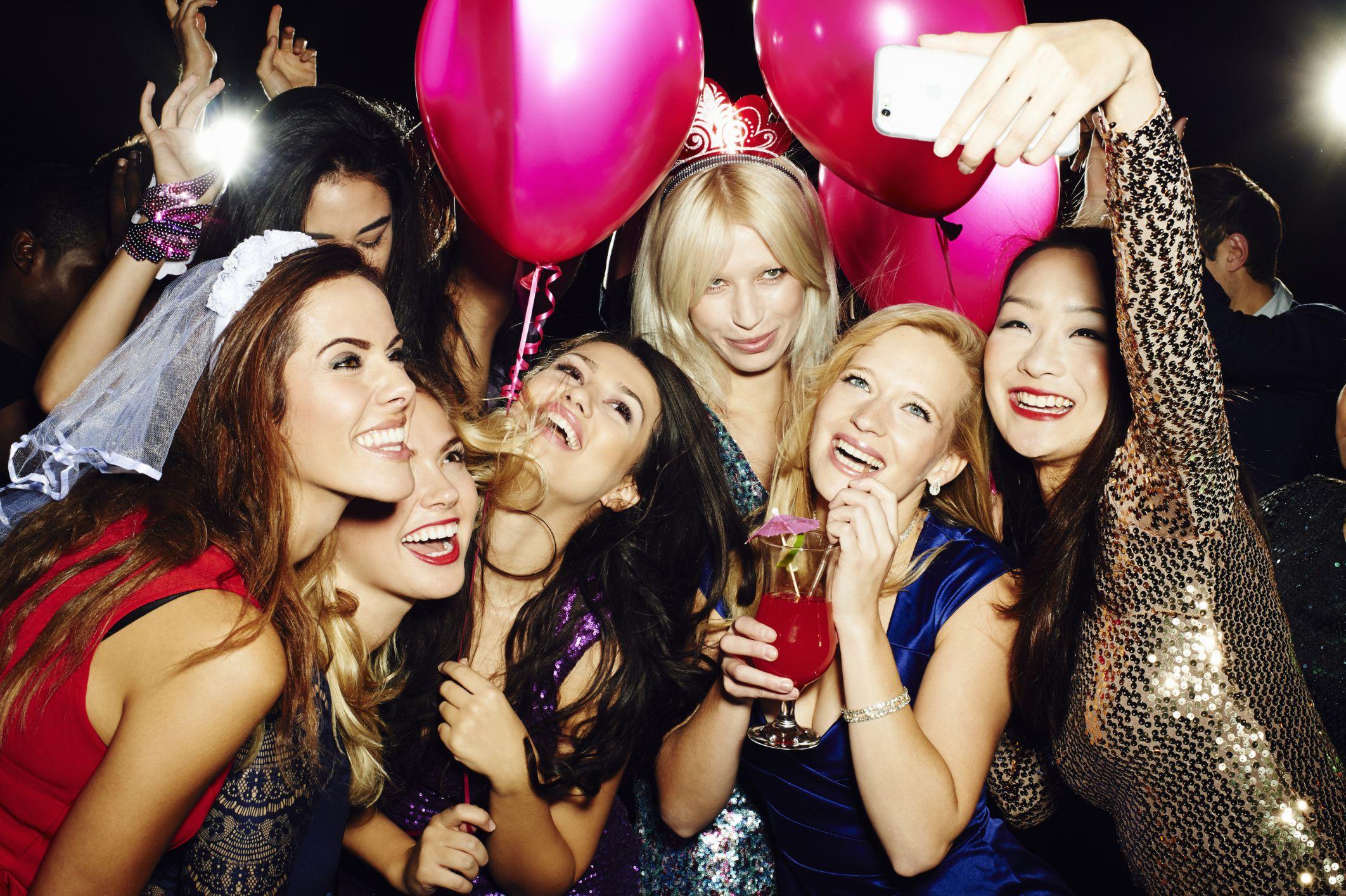 19 Bachelorette Scavenger Hunts The Girls Will Love