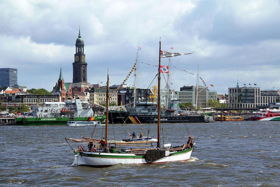 Hamburg, Landungsbrücken and harbour