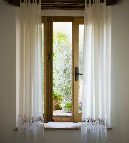 Can I Clean My Own Drapes, or Must They Dry-Cleaned?