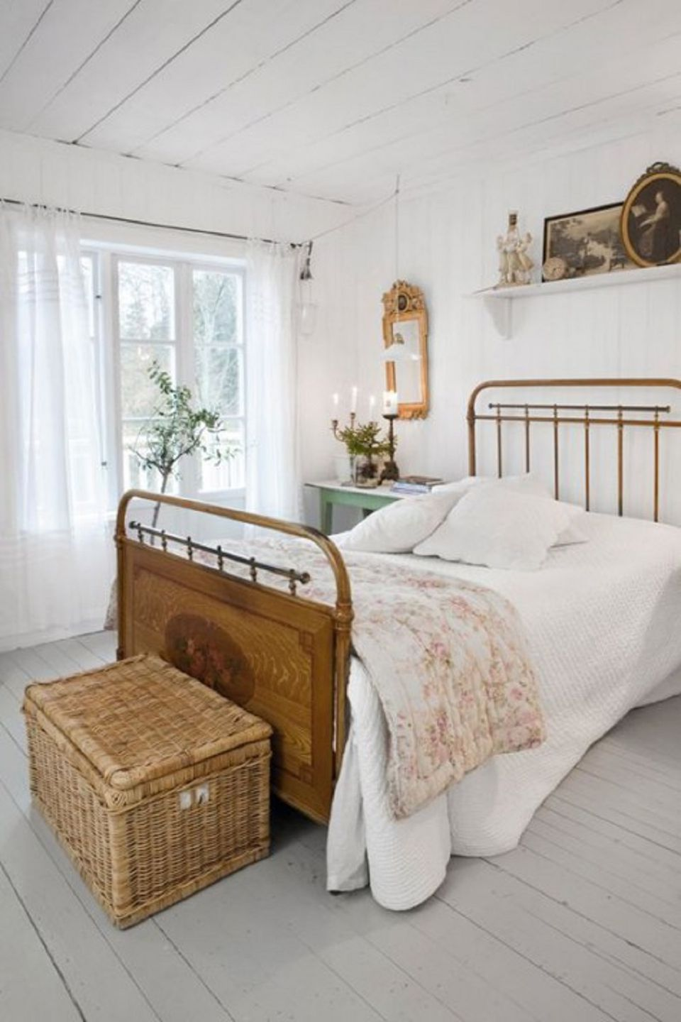 Farmhouse style bedroom ideas for Farmhouse bedroom decor