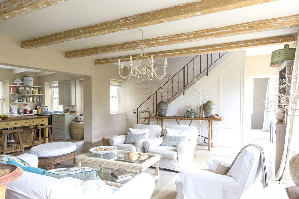 home-staging-light-furniture.jpg