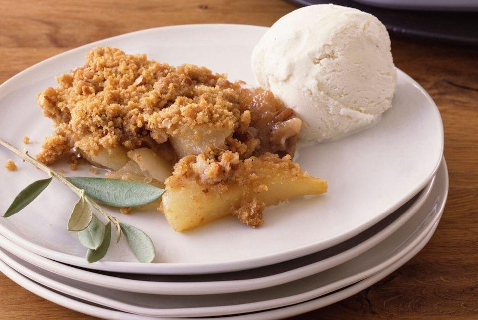 british-apple-crumble