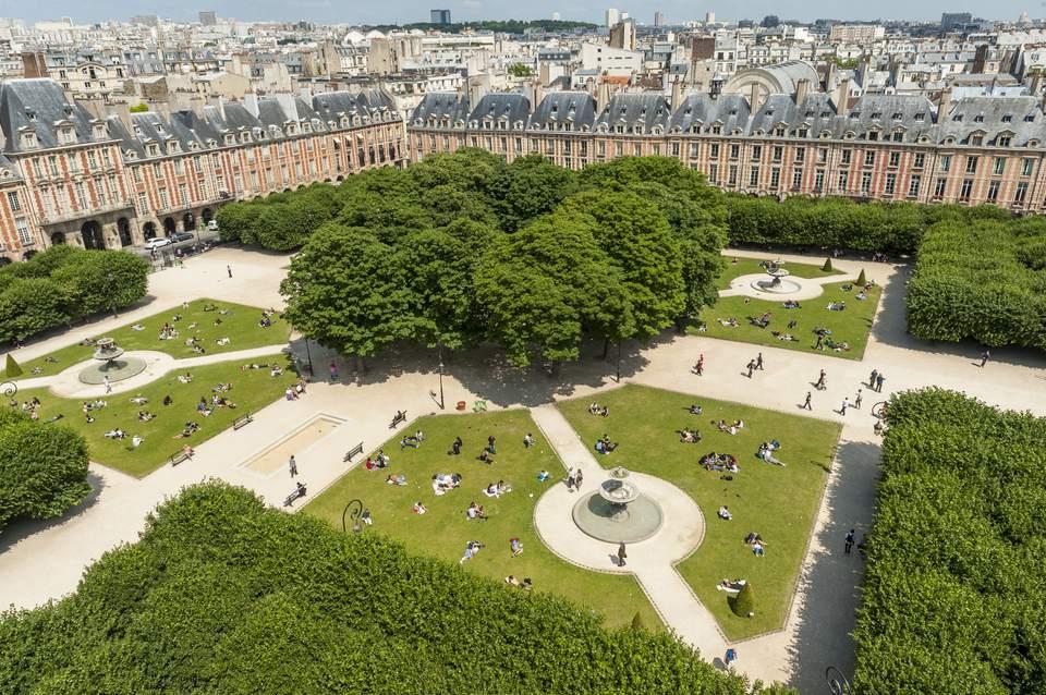 France, Paris, Place des Vosges, The former royal place of Paris, renamed Place des Vosges in 1800, was designed by Louis Metezeau It is the oldest square in Paris (aerial view)