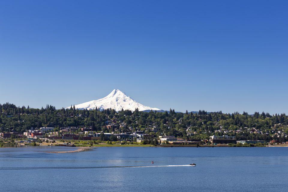 USA, Oregon, Mount Hood, Columbia River and city Hood River