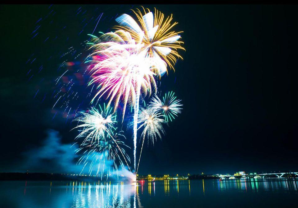 Alexandria Virginia Fireworks 2017