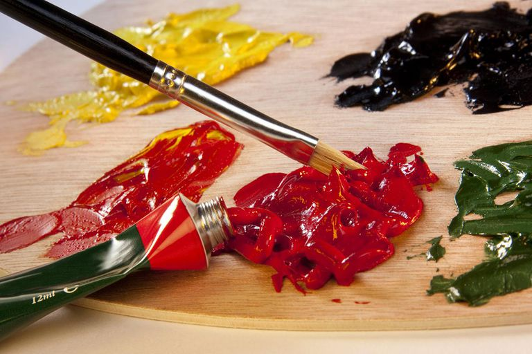 Arts & Crafts - Painting with oil paints