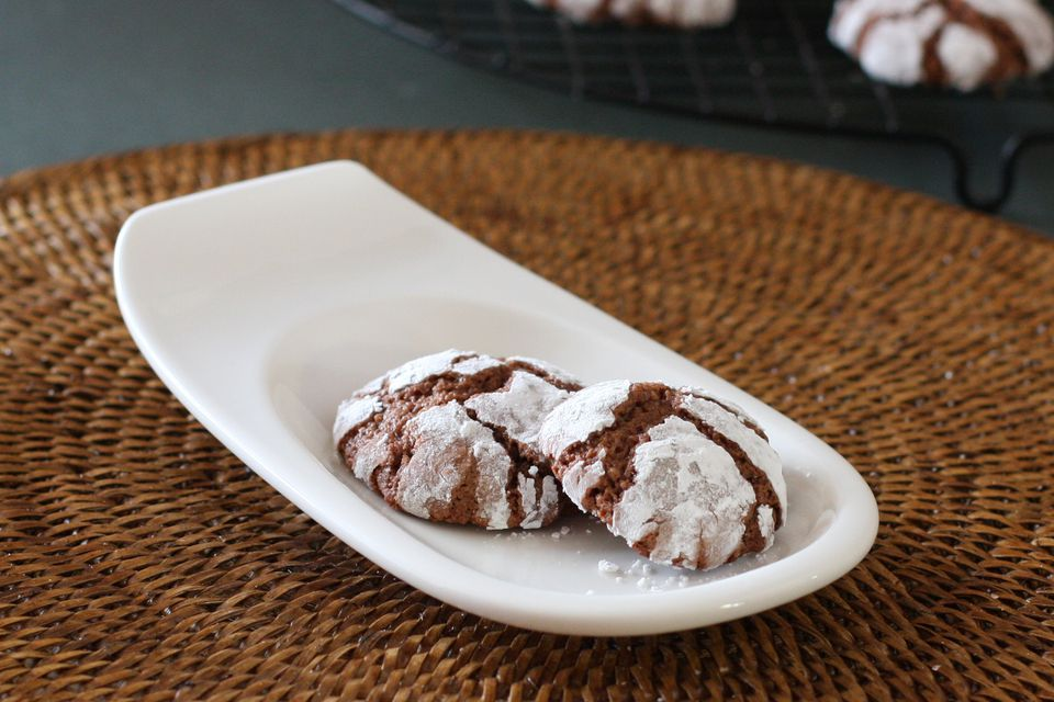 Chocolate Crinkles Cookies