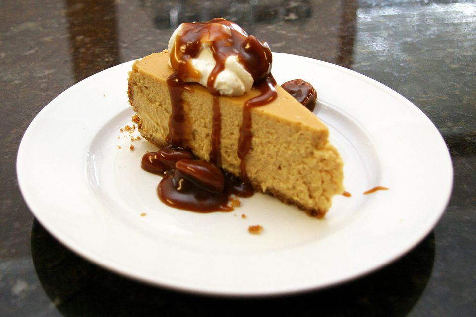 Brown Sugar Cheesecake With Caramel Pecan Topping