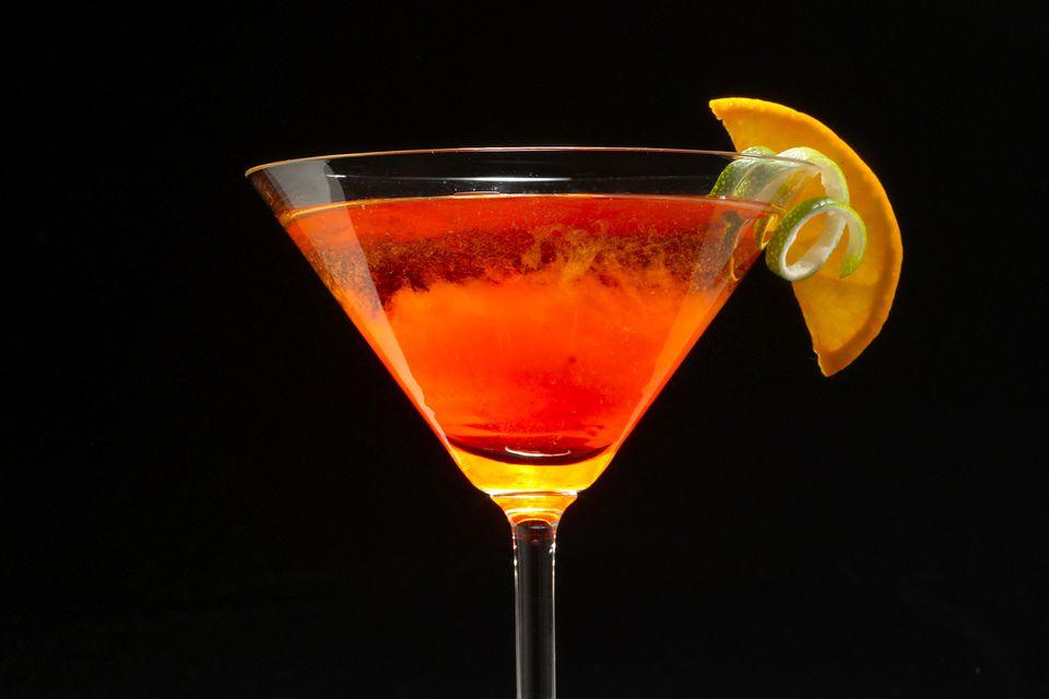 10 Impressive Aperitif Cocktails to Serve Before Dinner