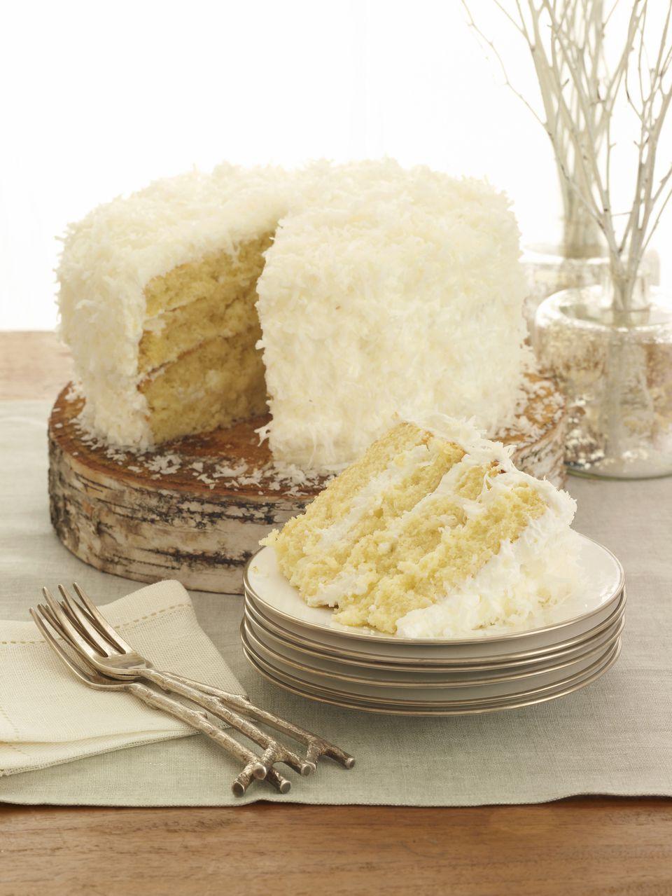 Bien Me Sabe Venezuelan Coconut Cream Cake Recipe
