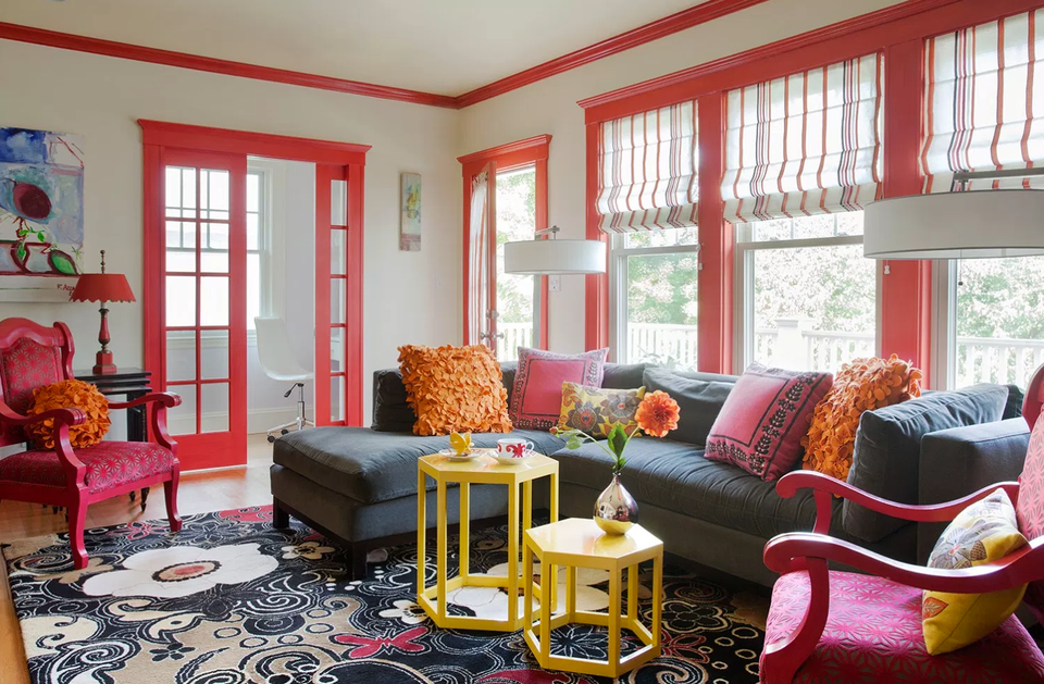 Living room with pink trim